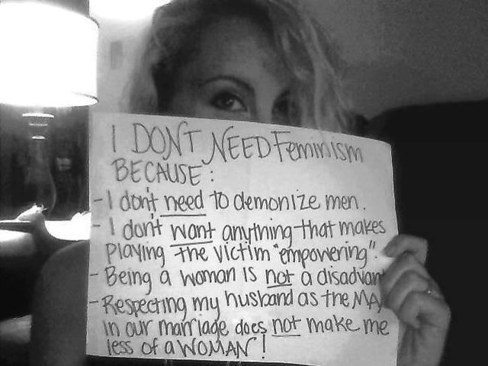 Nem kérek a feminizmusból, mert - nem vagyok hajlandó démonizálni a férfiakat - nőnek lenni nem hátrány - attól, hogy férfiként tisztelem a férjemet, nem leszek kevesebb nőként