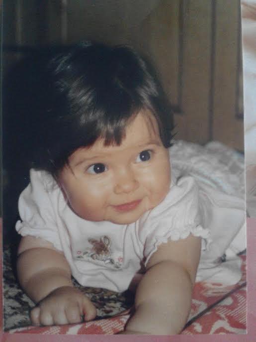 féléves kislány