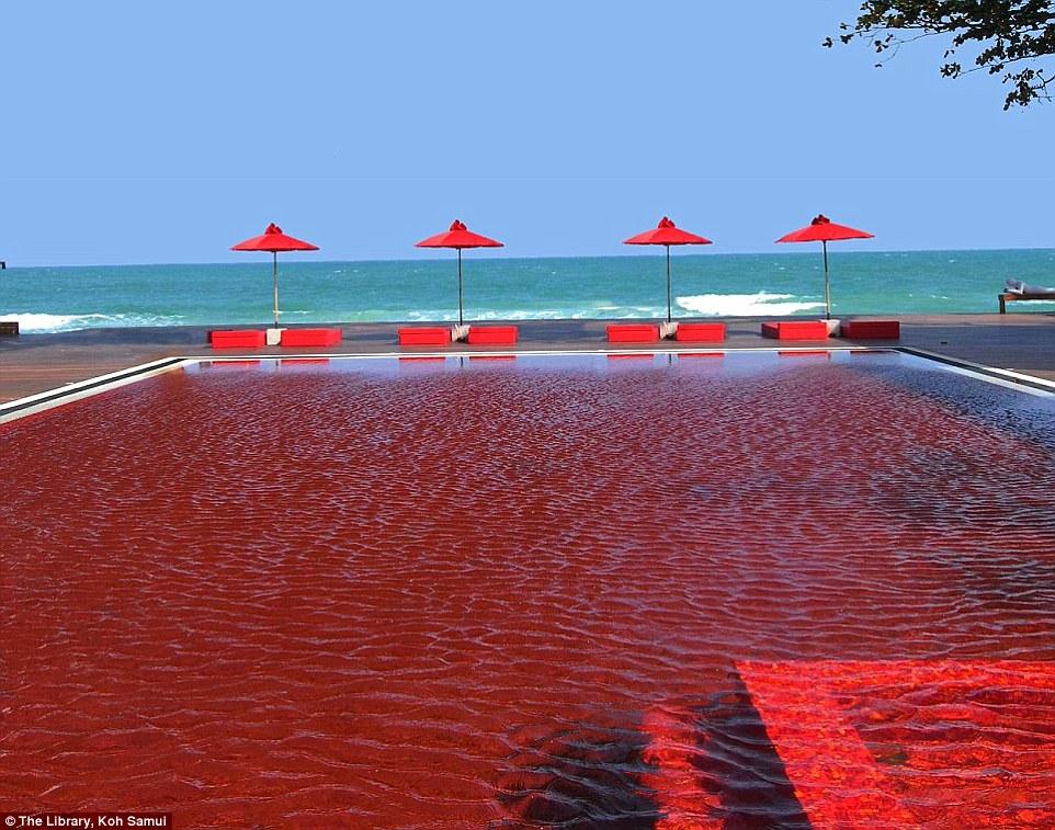 piros medence