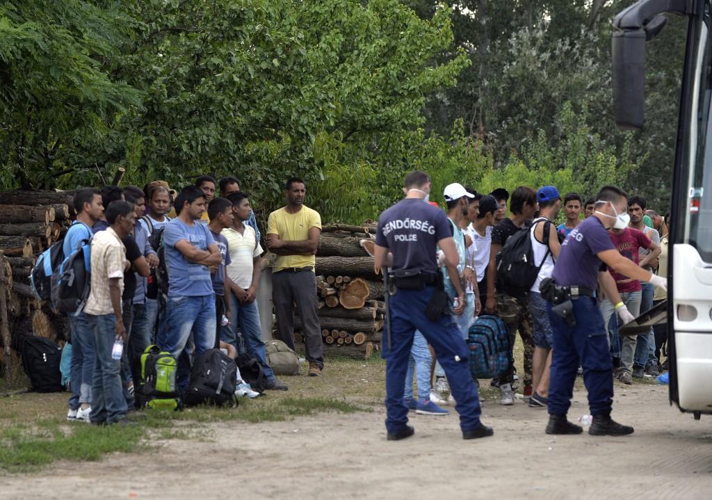 Illegális bevándorlók – Migránsok Ásotthalom határában
