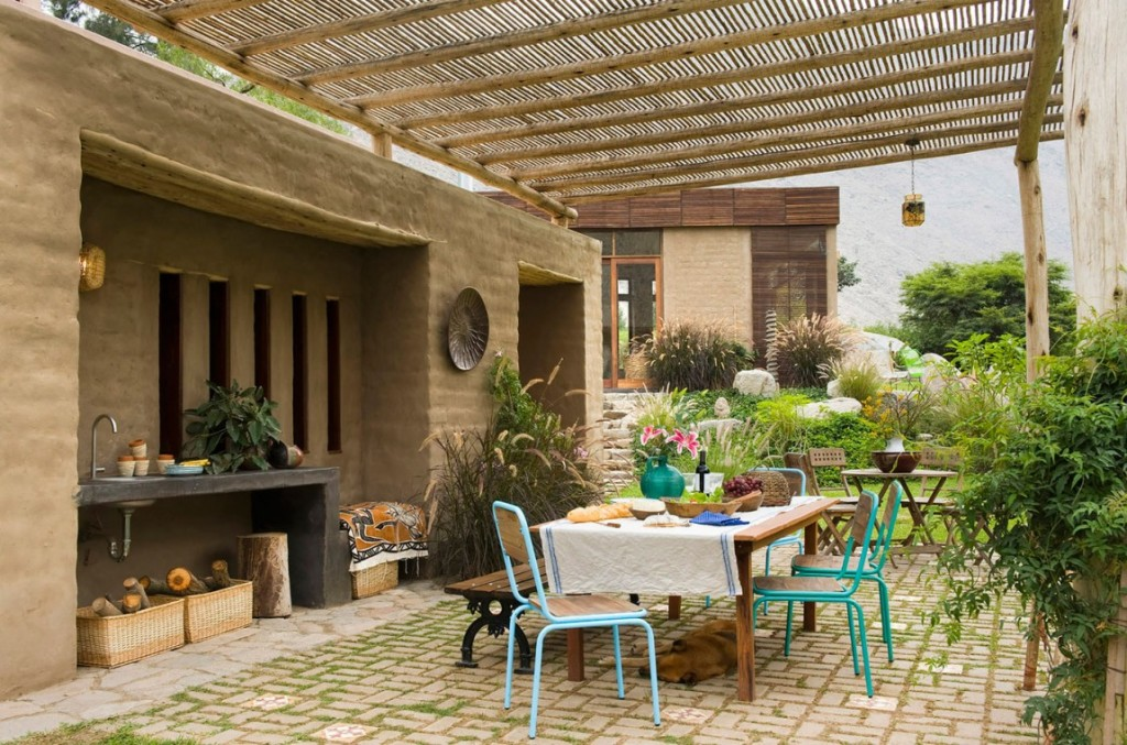 Casa-Chontay-outdoor-dining-area