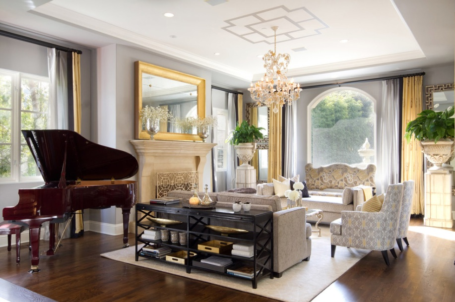 formal-sitting-room-chandelier
