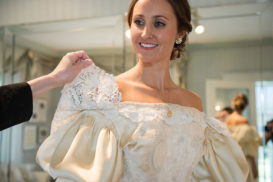 heirloom-wedding-dress-11th-bride-120-years-old-abigail-kingston-3