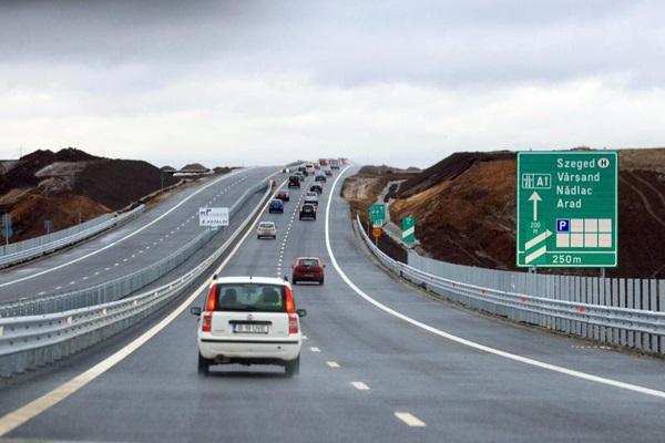 nagylaki autópálya-határátkelőhely