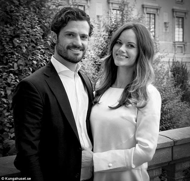 2D782F9C00000578-3275609-Prince_Carl_Philip_and_Princess_Sofia_release_new_pictures_to_ce-a-24_1444991570429