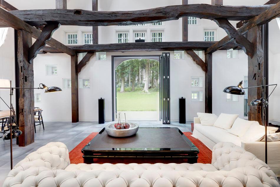 Hallenhaus-by-Reichel-Architekten-BDA-and-Dinesen-Douglas-flooring-4