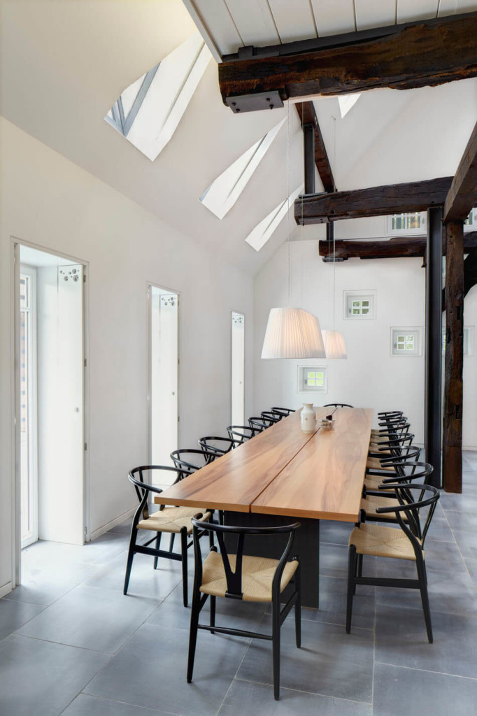 Hallenhaus-by-Reichel-Architekten-BDA-and-Dinesen-Douglas-flooring-5