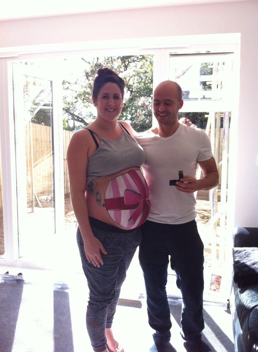 Perfect-painted-prenatal-proposal-a-surprise-bump-painting-with-a-difference-2__880
