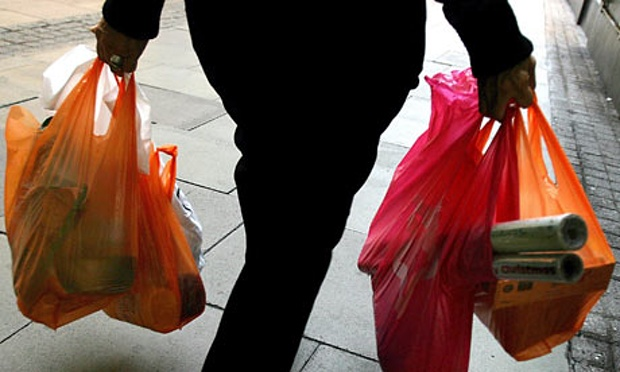 UK-plastic-bag-ban-001