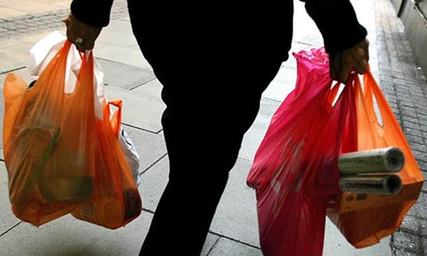 UK-plastic-bag-ban-001