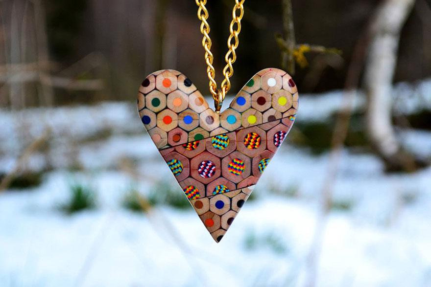 colored-pencil-jewelry-carbickova-12