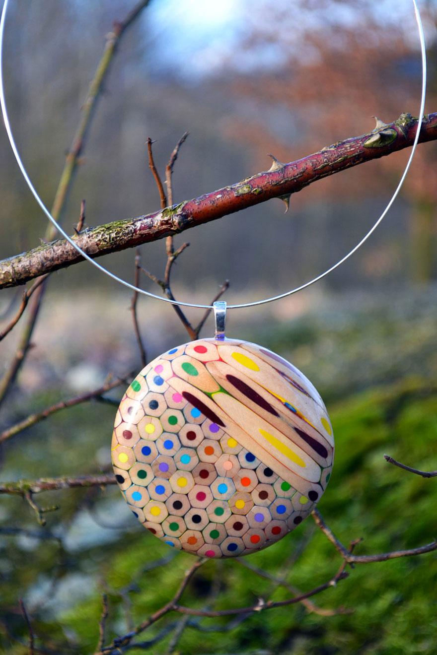 colored-pencil-jewelry-carbickova-28