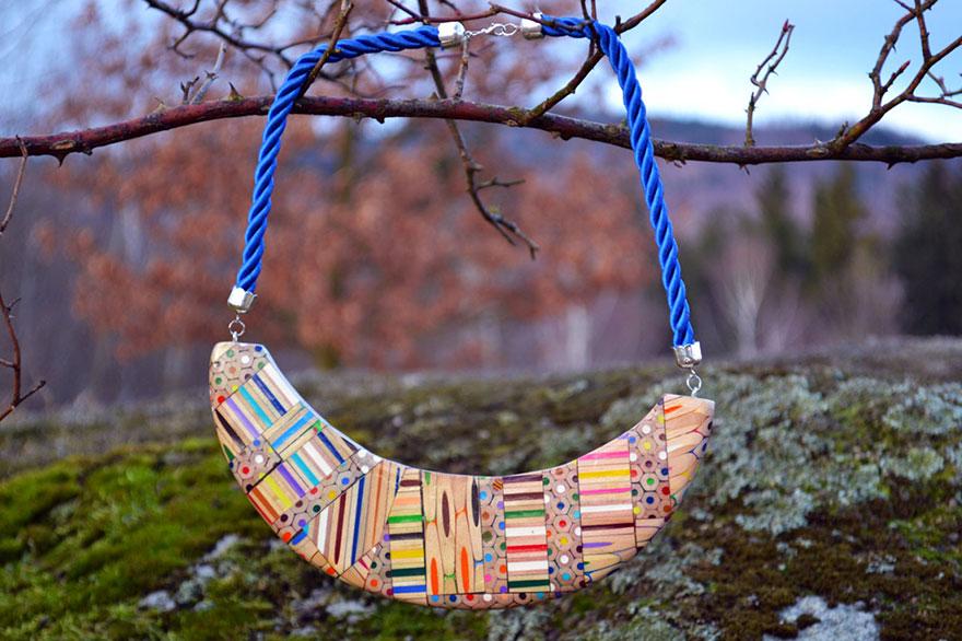 colored-pencil-jewelry-carbickova-36