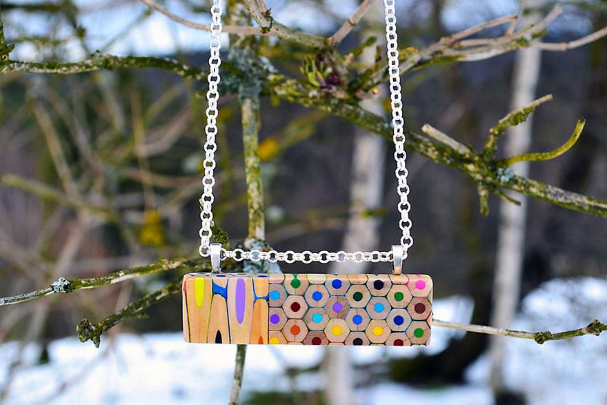 colored-pencil-jewelry-carbickova-39