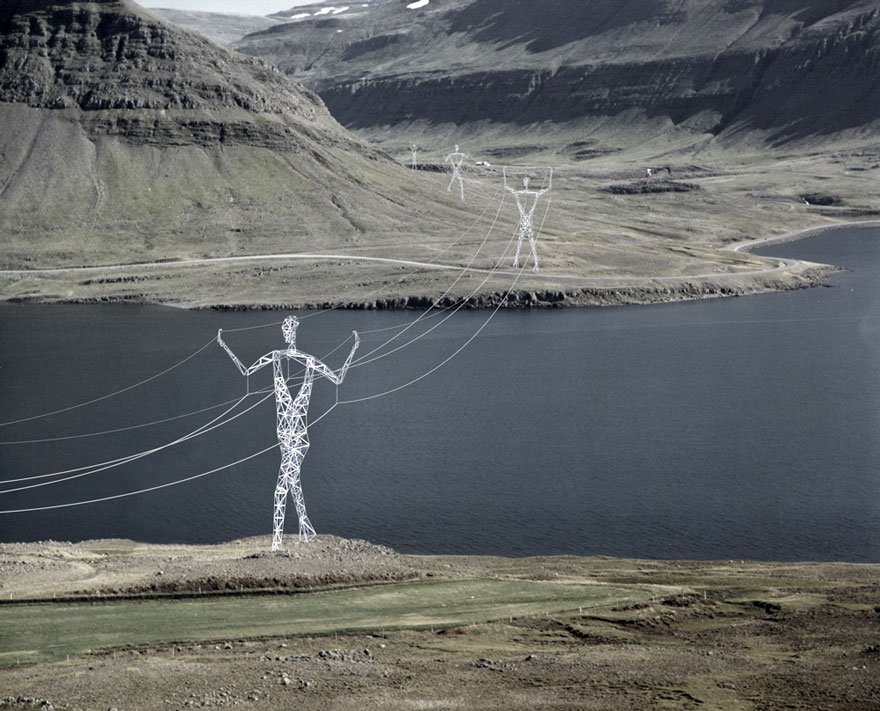 electricity-pylons-human-statues-choi-shine-1