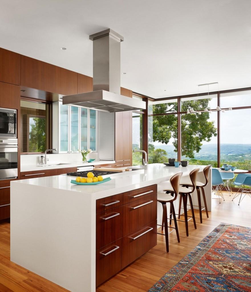 lake-view-residence-kitchen-island-and-bar