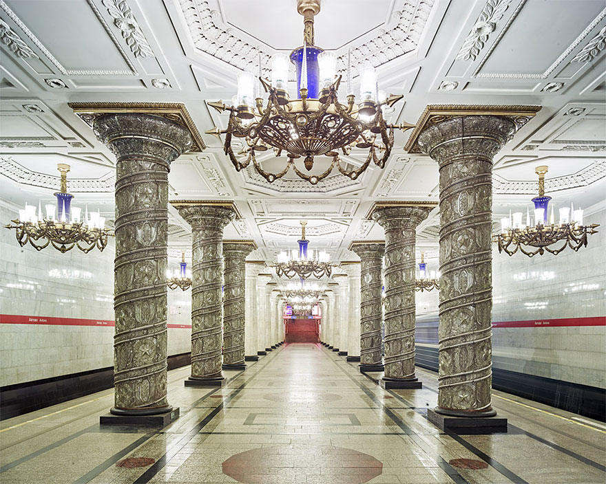 moscow-metro-station-architecture-russia-bright-future-david-burdeny-14