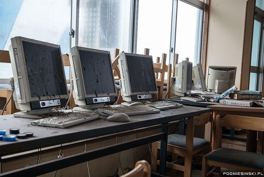 photos-fukushima-exclusion-zone-podniesinski-52