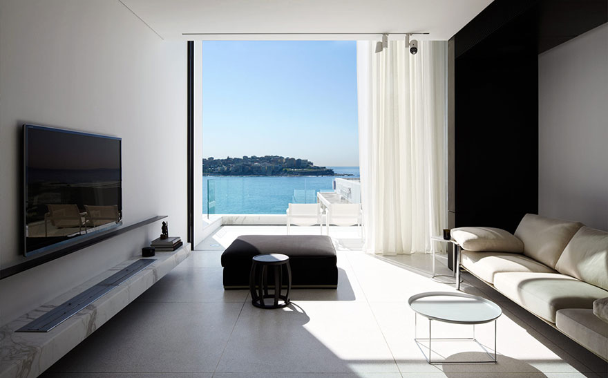 rooms-with-amazing-view-14__880