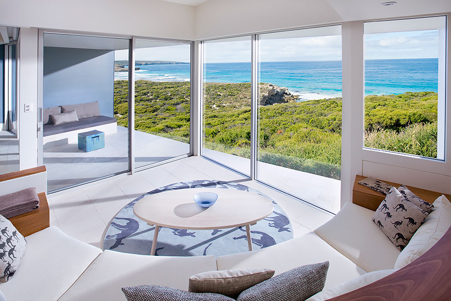 rooms-with-amazing-view-34__880