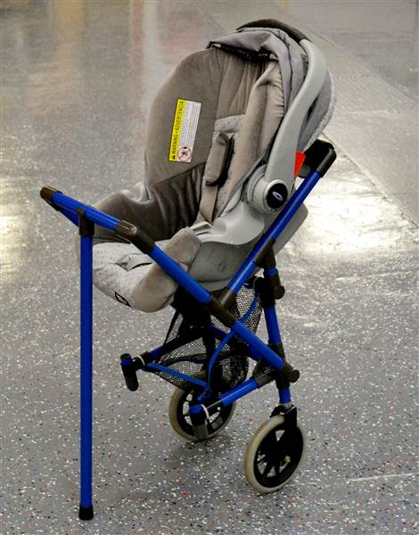 stroller-wheelchair-today-150929-02_f2223b3cb724493cb8a6ce2451ff8496.today-inline-large