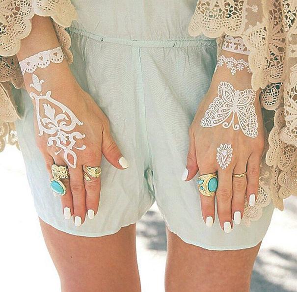 white-henna-tattoo-temporary-women-instagram-trend-23__605