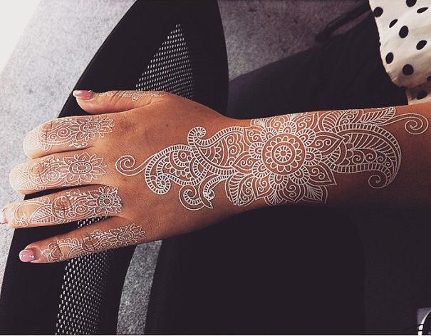 white-henna-tattoo-temporary-women-instagram-trend-26__605