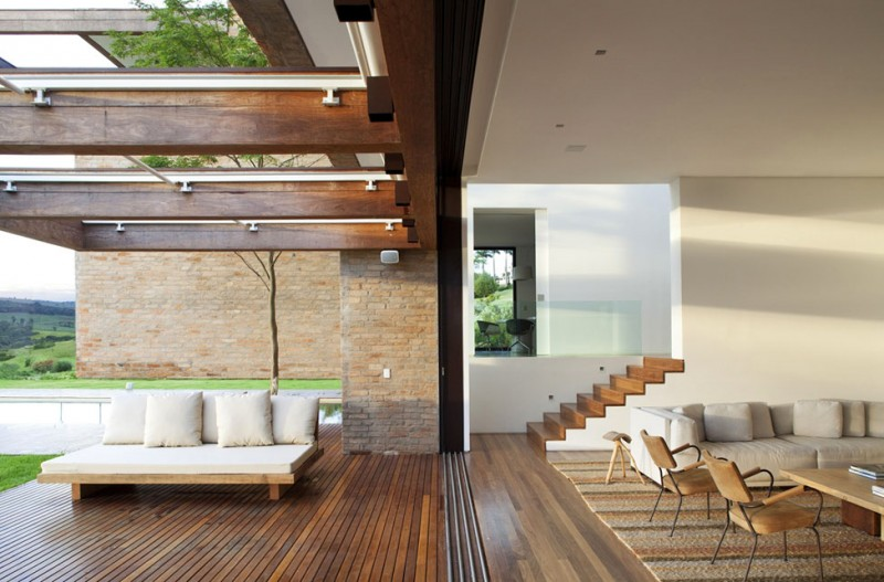 Quinta-da-Baronesa-house-indoor-outdoor-transition