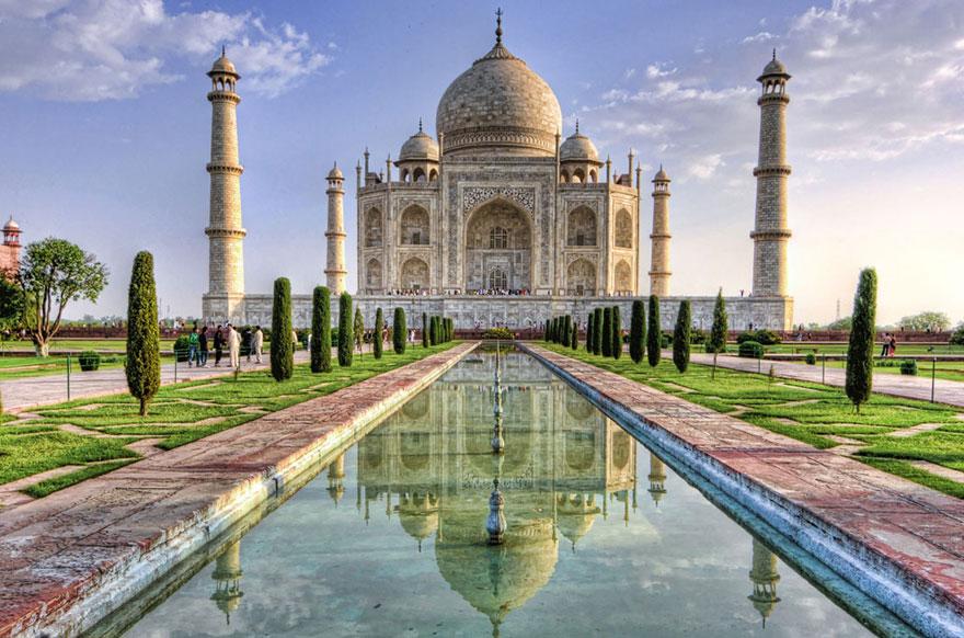 Aladdin – Taj Mahal, Agra, India