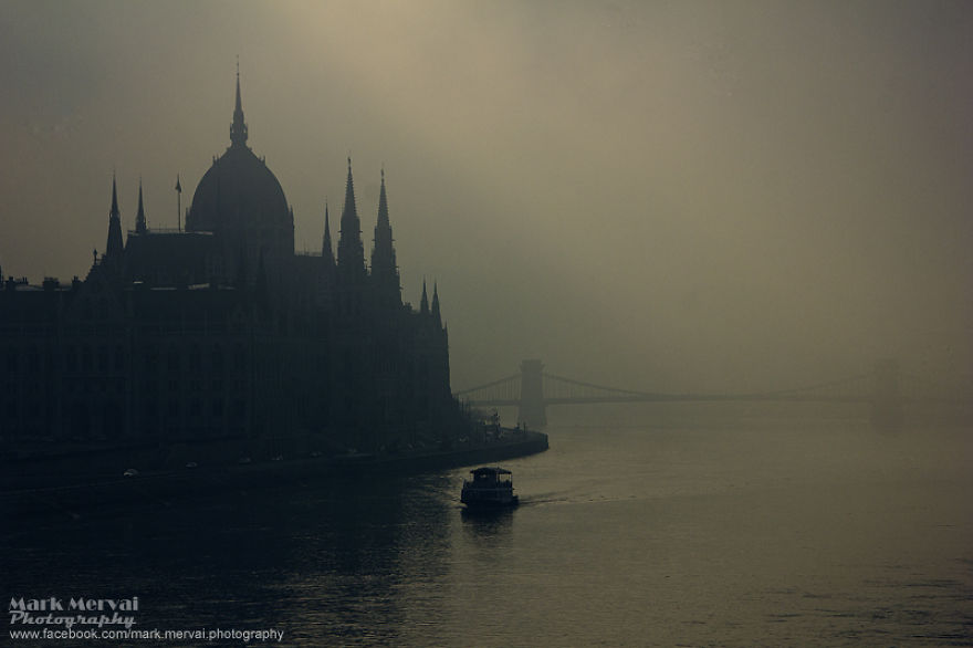 i-hunt-for-fog-to-capture-apocalyptic-photos-of-cities-11__880