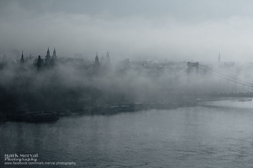 i-hunt-for-fog-to-capture-apocalyptic-photos-of-cities-13__880