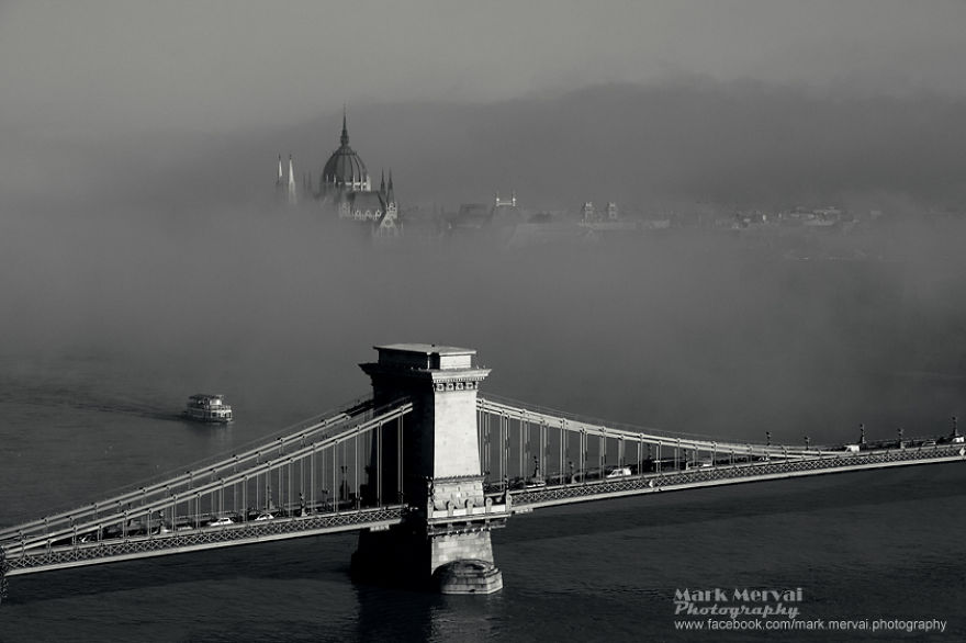 i-hunt-for-fog-to-capture-apocalyptic-photos-of-cities-14__880