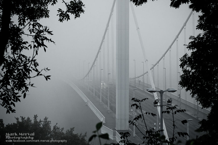 i-hunt-for-fog-to-capture-apocalyptic-photos-of-cities-16__880
