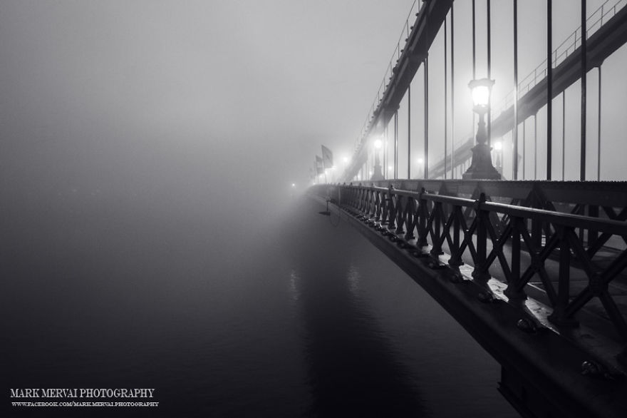 i-hunt-for-fog-to-capture-apocalyptic-photos-of-cities-17__880