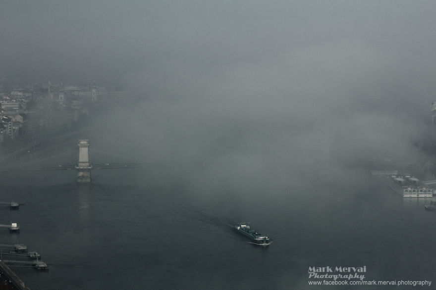 i-hunt-for-fog-to-capture-apocalyptic-photos-of-cities-19__880