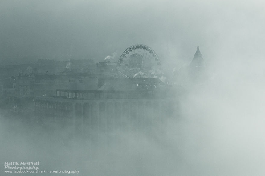 i-hunt-for-fog-to-capture-apocalyptic-photos-of-cities-2__880