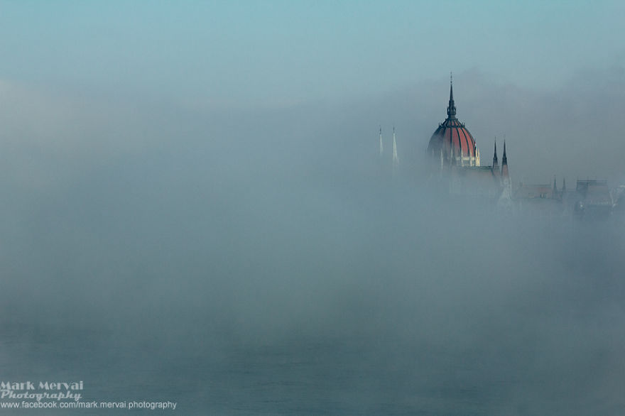 i-hunt-for-fog-to-capture-apocalyptic-photos-of-cities-3__880