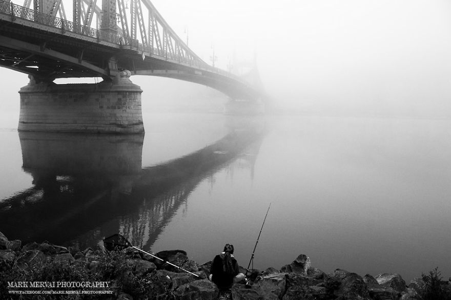i-hunt-for-fog-to-capture-apocalyptic-photos-of-cities-4__880