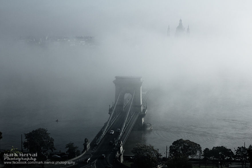 i-hunt-for-fog-to-capture-apocalyptic-photos-of-cities-5__880