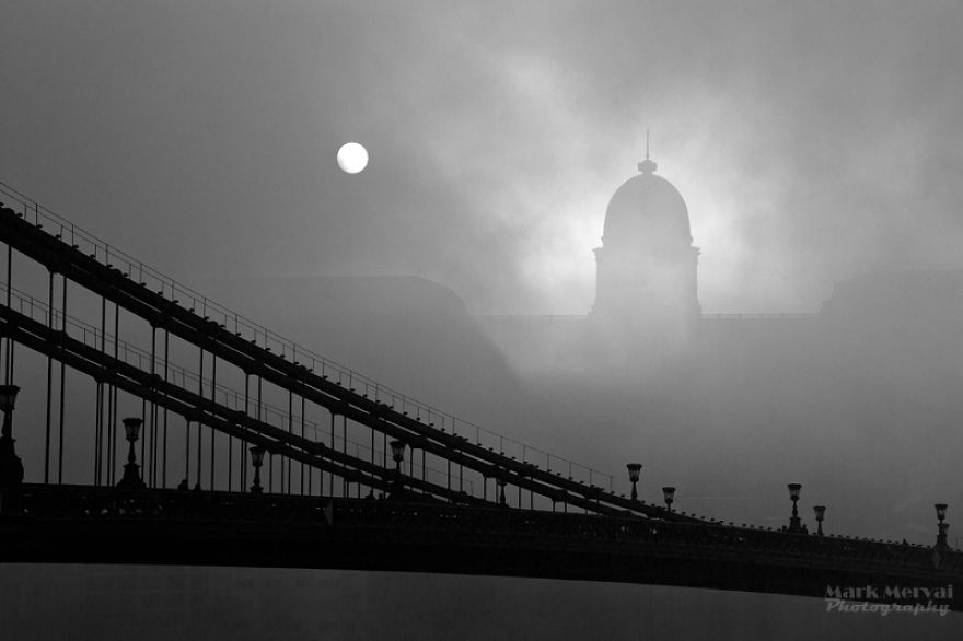 i-hunt-for-fog-to-capture-apocalyptic-photos-of-cities-6__880
