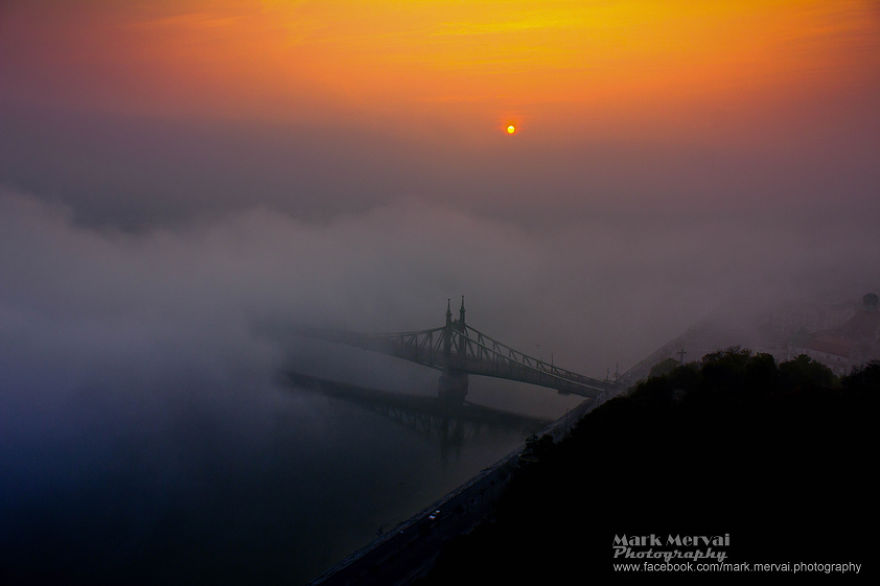 i-hunt-for-fog-to-capture-apocalyptic-photos-of-cities-7__880