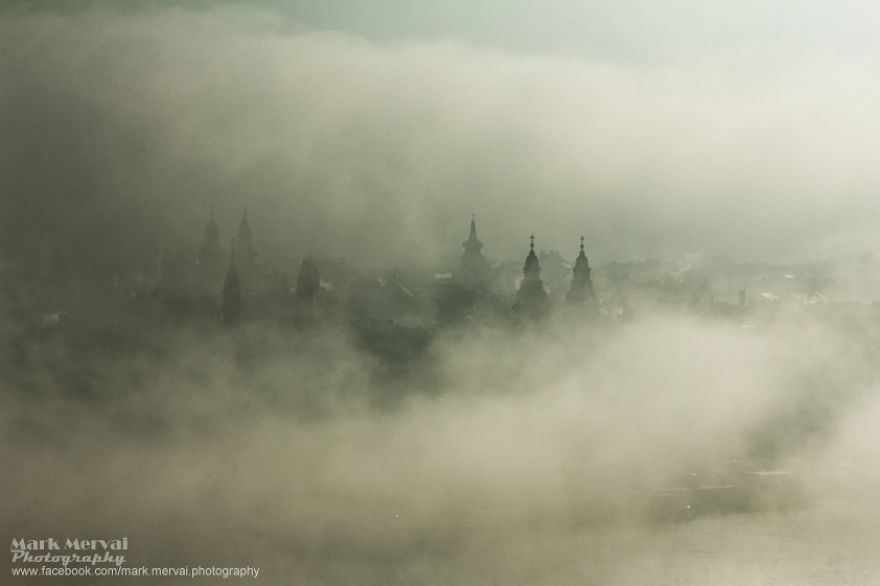 i-hunt-for-fog-to-capture-apocalyptic-photos-of-cities-8__880