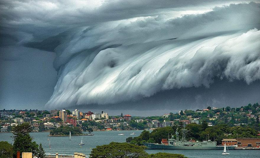 massive-cloud-tsunami-sydney-australia-32