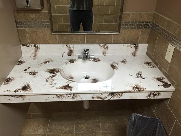 Talán nem ezt szeretnéd látni a fürdőben...