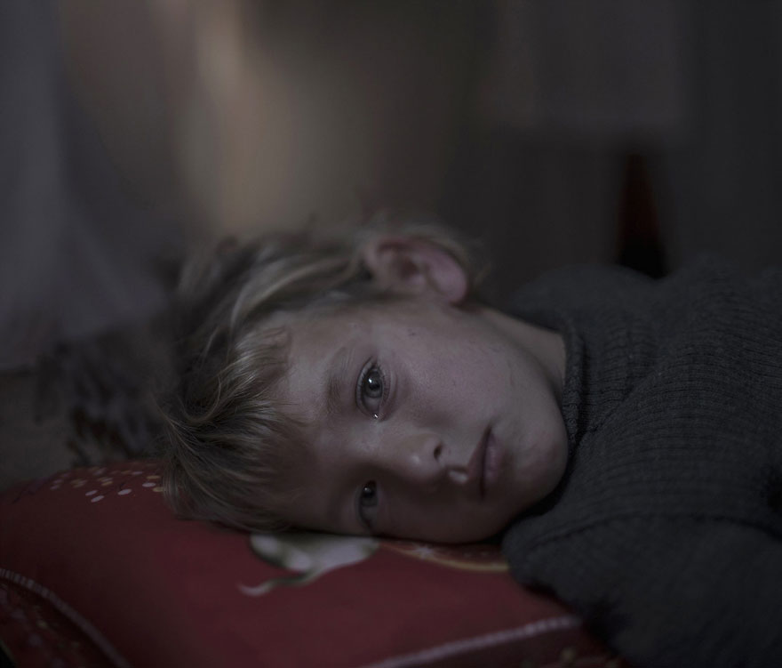 where-children-sleep-syrian-refugee-crisis-photography-magnus-wennman-3