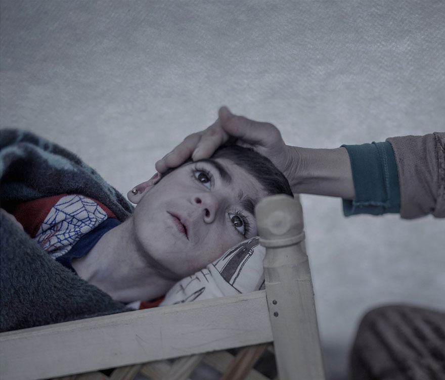 where-children-sleep-syrian-refugee-crisis-photography-magnus-wennman-7