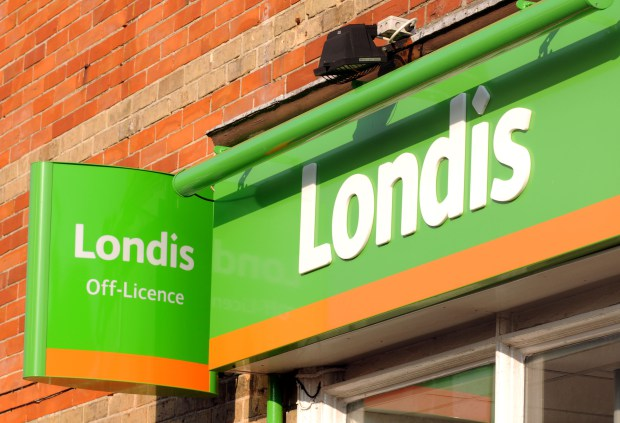 CN2EWM Londis store or shop, UK. Image shot 2012. Exact date unknown.