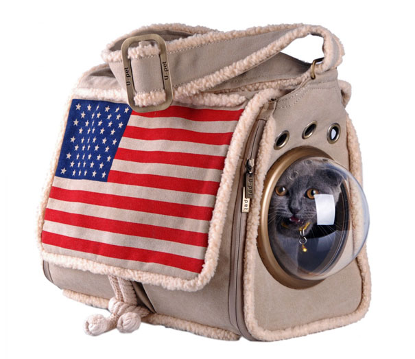 astronaut-pet-bubble-carrier-upet-7