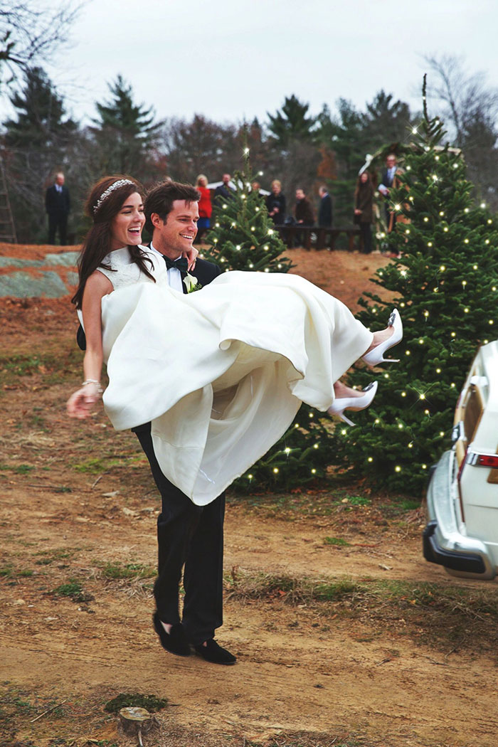 christmas-tree-farm-wedding-sarah-vickers-kiel-patrick-32