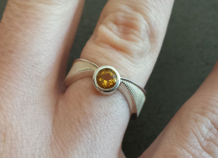 geeky-engagement-rings-boxes-proposal-ideas-38__700